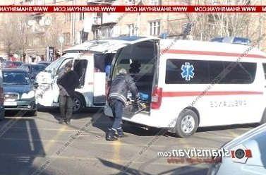https://am.avalanches.com/yerevan_avtomobyl_skoroi_pomoshchy_s_patsyentom_v_salone_stolknulsia_s_hyundai27859_03_02_2020