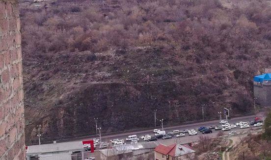 https://am.avalanches.com/yerevan_krupnoe_dtp_v_erevane_v_chas_pyk35917_13_03_2020
