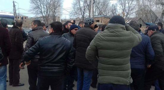 https://am.avalanches.com/yerevan_zhytely_obshchyn_any_perekrly_trassu_hiumryerevan22217_08_01_2020