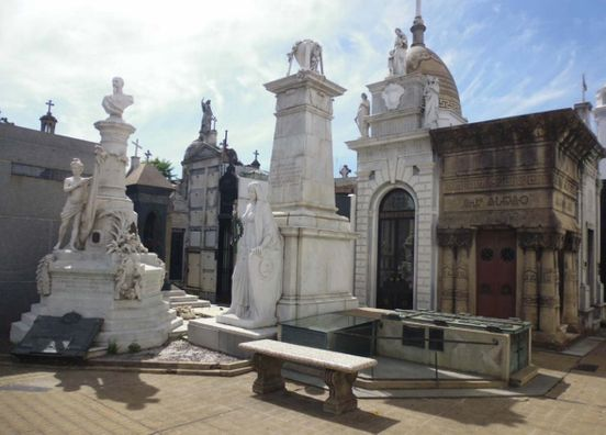 https://ar.avalanches.com/buenos_aires_cementerio_de_la_recoleta_buenos_aires_argentina16892_11_12_2019