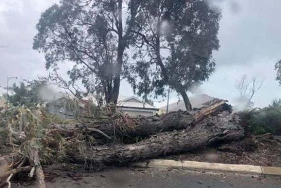 https://au.avalanches.com/perth_power_supply_hampered_25000_houses_suffer_due_to_perth_storm4313_05_10_2019