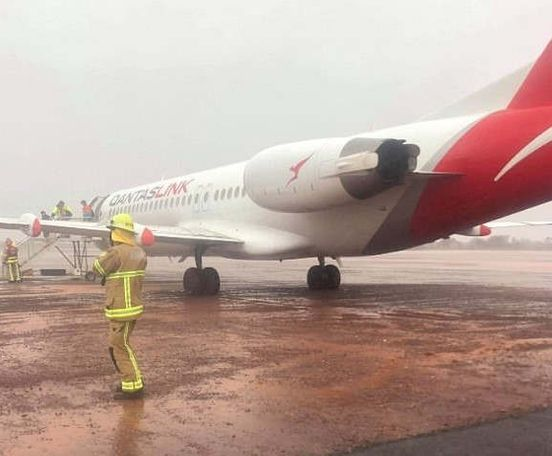 https://au.avalanches.com/perth_quatas_plane_slides_off_the_end_of_runway_amid_heavy_rains_and_wind_in22533_09_01_2020
