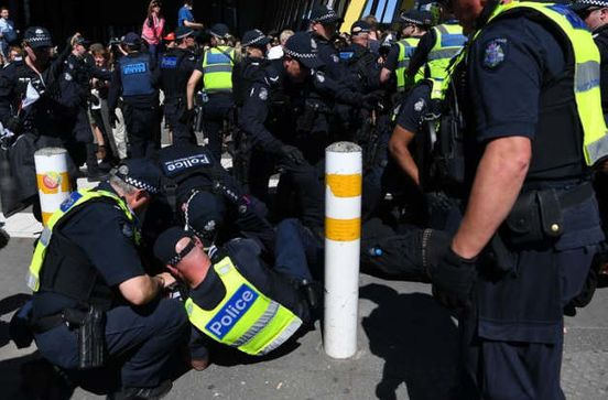 https://au.avalanches.com/melbourne_more_and_more_arrests_during_ecological_protests_and_the_mining_conference_in_melbourne8578_29_10_2019