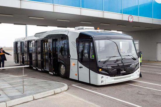 Новый шаттл от Минского автозавода представили в Борисполе.
