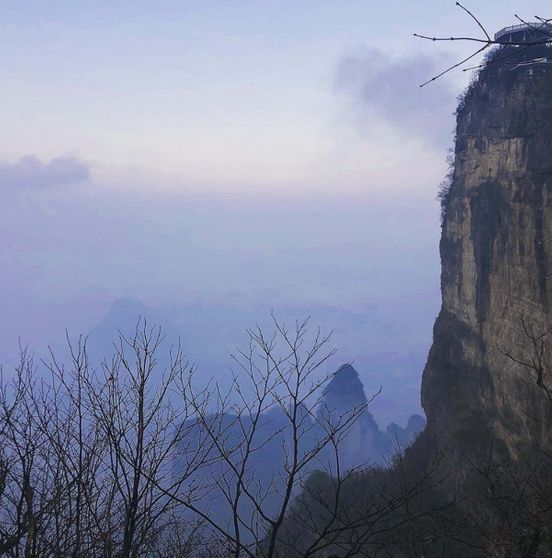 https://cn.avalanches.com/zhangjiakou_in_this_park_the_mountains_in_the_fog_are_very_beautiful20099_27_12_2019