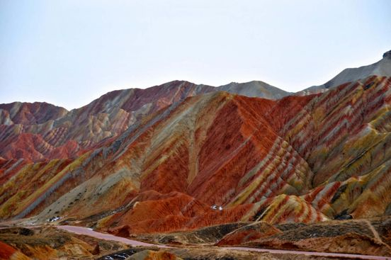 https://cn.avalanches.com/zhangjiakou_the_colored_mountains_of_zhanye_danxia_are_brightly_colored_i_have_no22164_08_01_2020