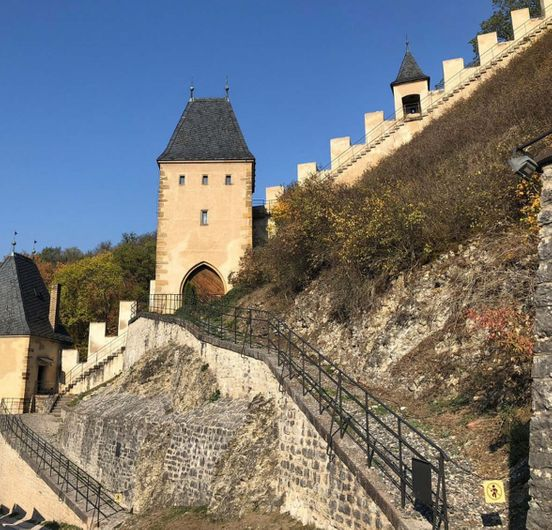 https://cz.avalanches.com/karltejn_karlstejn_castle_esk_republika14067_26_11_2019