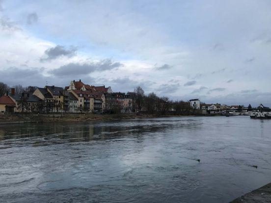 https://de.avalanches.com/regensburg__die_altstadt_muss_schrittweise_erkundet_werden_viele_kleine_straen35961_13_03_2020
