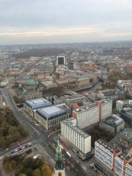 https://de.avalanches.com/berlin_atemberaubende_aussicht_auf_berlin13165_21_11_2019