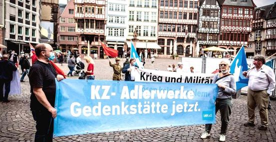 https://de.avalanches.com/frankfurt_am_main__eklat_am_tag_der_befreiung_brgermeister_verlsst_gedenkveranstaltun218653_08_05_2020