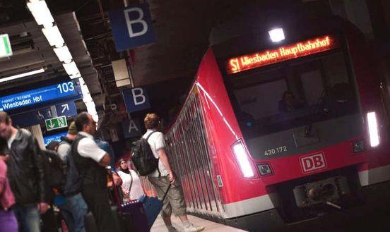 https://de.avalanches.com/frankfurt_am_main_frankfurt_hauptbahnhof_mann_vergisst_rucksack_tausende_euro_sind_fu33827_02_03_2020