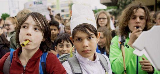 Mensa-Boykott: Umstrittener Caterer will sich aus Frankfurter Schule z