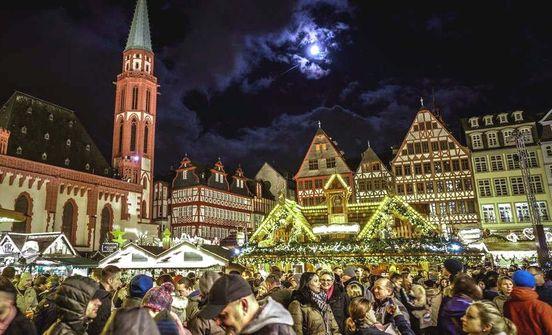 https://de.avalanches.com/frankfurt_am_main_zale_und_die_neue_altstadt_bleiben_dunkel_keine_weihnachtsbeleuchtung12207_16_11_2019