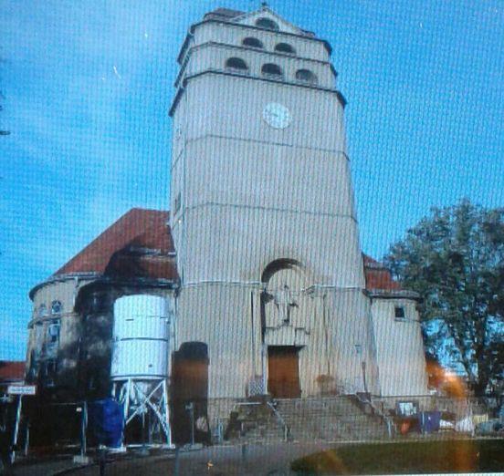 https://de.avalanches.com/dresden_verbrecher_in_den_kirchen_und_im_sportklub4907_08_10_2019