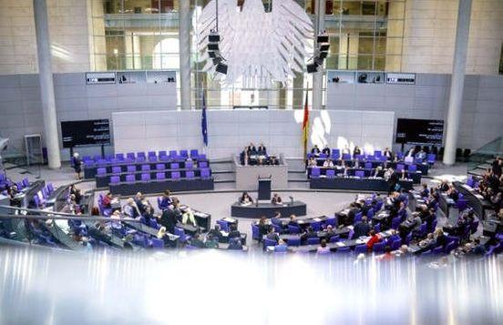https://de.avalanches.com/berlin_lange_donnerstage_der_abgeordneten11529_13_11_2019