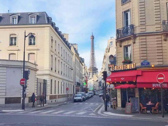 https://fr.avalanches.com/paris_sur_la_rue_saintvincent_vous_vous_promenez_devant_les_murs_couverts_38735_25_03_2020
