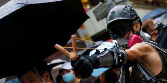 https://hk.avalanches.com/hong_kong_police_use_guns_against_protesters_in_hong_kong11219_12_11_2019