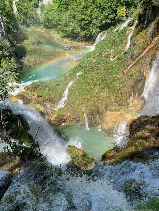 https://hr.avalanches.com/zagreb_chic_lakes_zagreb_hrvatska13124_21_11_2019