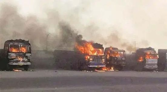https://in.avalanches.com/pune__the_driver_of_a_truck_died_when_the_vehicle_burst_into_flames_out_of_38360_24_03_2020