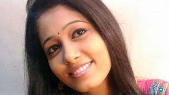 https://in.avalanches.com/pune_journalist_nisha_patil_who_was_known_for_her_honesty_commits_suicide_9374_02_11_2019