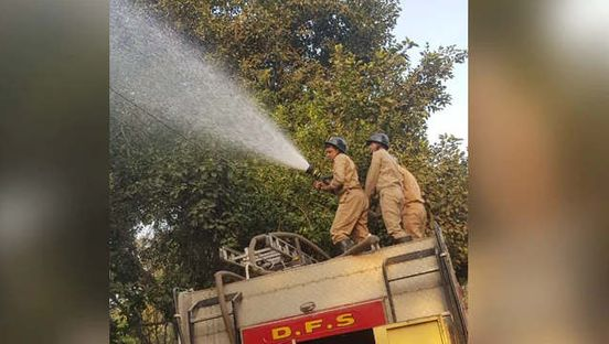 https://in.avalanches.com/new_delhi_spraying_of_water_in_the_most_polluted_areas_in_delhi_the_air_is_still_poisonous13742_24_11_2019