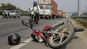 https://in.avalanches.com/lucknow_a_women_fell_from_bike_died2921_29_09_2019