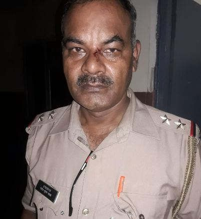 https://in.avalanches.com/lucknow_controversy_between_police_and_villagers_during_vehicle_checking5253_11_10_2019