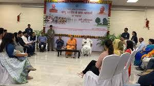 https://in.avalanches.com/lucknow_cm_yogi_with_kashmiri_students2979_29_09_2019