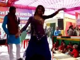 https://in.avalanches.com/lucknow_indecent_dance_on_ramlila_stage5228_10_10_2019