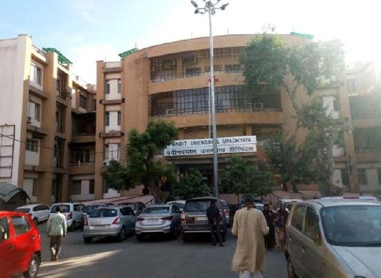 https://in.avalanches.com/jaipur_gangauri_market_hospital_dedicated_for_jaipur_parkota93974_15_04_2020