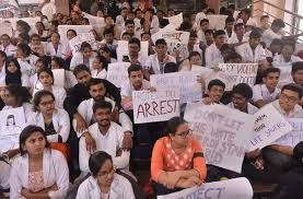 https://in.avalanches.com/jaipur_protest_by_doctors_in_hospital11888_15_11_2019
