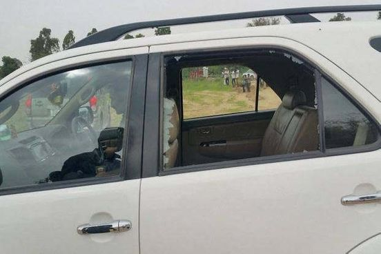 https://in.avalanches.com/jaipur_stone_pelting_on_union_minister_car11675_14_11_2019
