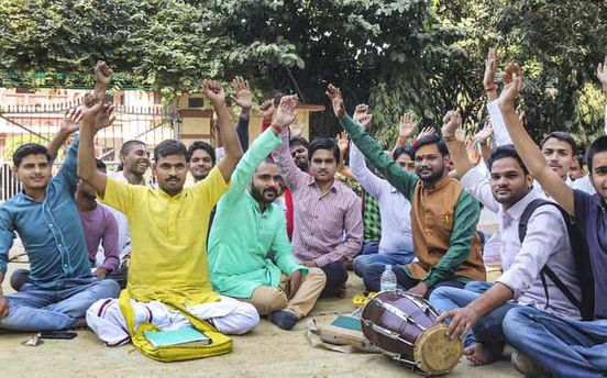 https://in.avalanches.com/jaipur_protest_over_sanskrit_teacher_in_bhu13104_21_11_2019