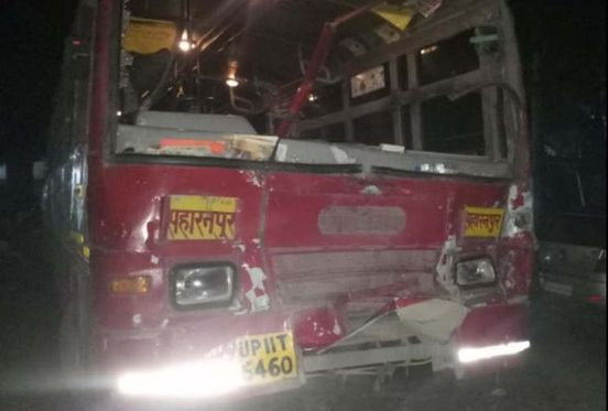 https://in.avalanches.com/jaipur_roadways_bus_collided_with_tractor30684_17_02_2020