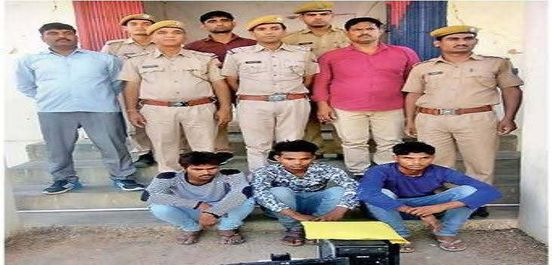 https://in.avalanches.com/jaipur_four_kidnappers_arrested_by_police_9806_03_11_2019