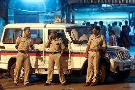 https://in.avalanches.com/mumbai_police_raids7317_23_10_2019