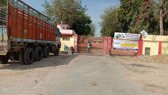 https://in.avalanches.com/jaipur_milk_tanker_hit_the_pickup_parked_on_the_roadside39352_28_03_2020