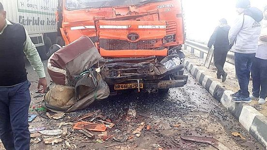 10 people injured in road accident, 1 dead