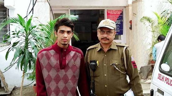 https://in.avalanches.com/delhi_police_arrested_a_snatcher_who_use_to_loot_for_his_girlfriend30229_15_02_2020