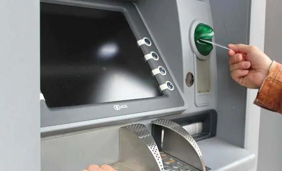 https://in.avalanches.com/delhi_bank_atm_machine_stolen_from_south_delhi_with_rs_25_lakh_cash1158_15_09_2019