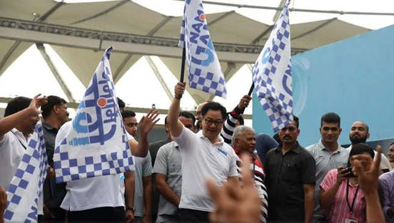 https://in.avalanches.com/delhi_kiren_rijiju_gajendra_singh_shekhawat_flag_of_the_great_ganga_run_marathon1161_15_09_2019