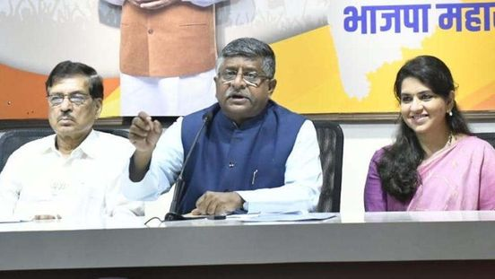 https://in.avalanches.com/delhi_union_minister_compares_indias_economy_to_bollywood_film_success5860_14_10_2019