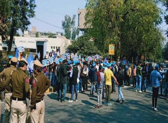 https://in.avalanches.com/delhi_bheem_army_organized_reservation_save_rally30516_16_02_2020