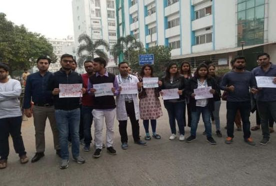 https://in.avalanches.com/delhi_doctors_assaulted_in_delhi_doctors_announced_strike12762_19_11_2019