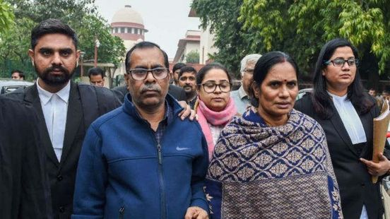 https://in.avalanches.com/delhi_hearing_on_the_plea_made_by_the_pawan_kumar_in_court_today18401_19_12_2019