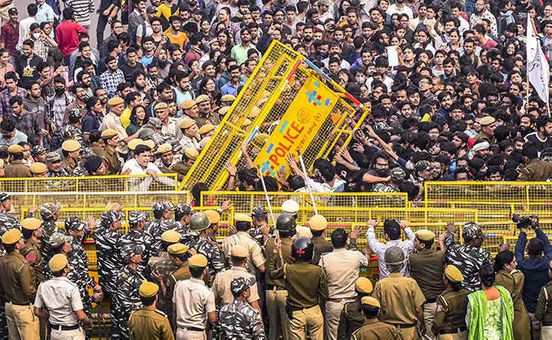 https://in.avalanches.com/delhi_600_cops_at_jnu_but_students_not_lathicharged_says_delhi_police11280_12_11_2019