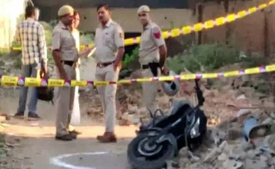 https://in.avalanches.com/delhi_after_shootout_with_cops_in_delhi_3_robbers_arrested_7329_23_10_2019