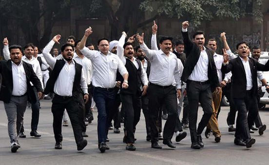 https://in.avalanches.com/delhi_delhi_district_court_lawyers_will_continue_to_boycott_work10212_05_11_2019