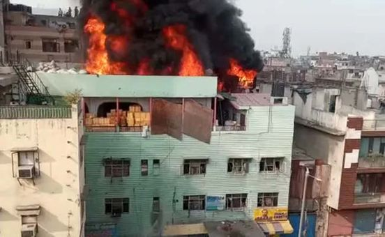 https://in.avalanches.com/delhi_delhi_fire_brotherinlaw_of_the_owner_of_the_building_arrested17431_13_12_2019