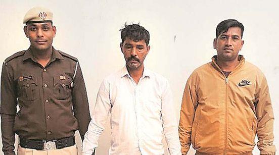 https://in.avalanches.com/delhi_du_student_murdered_for_harassing_girl14503_28_11_2019